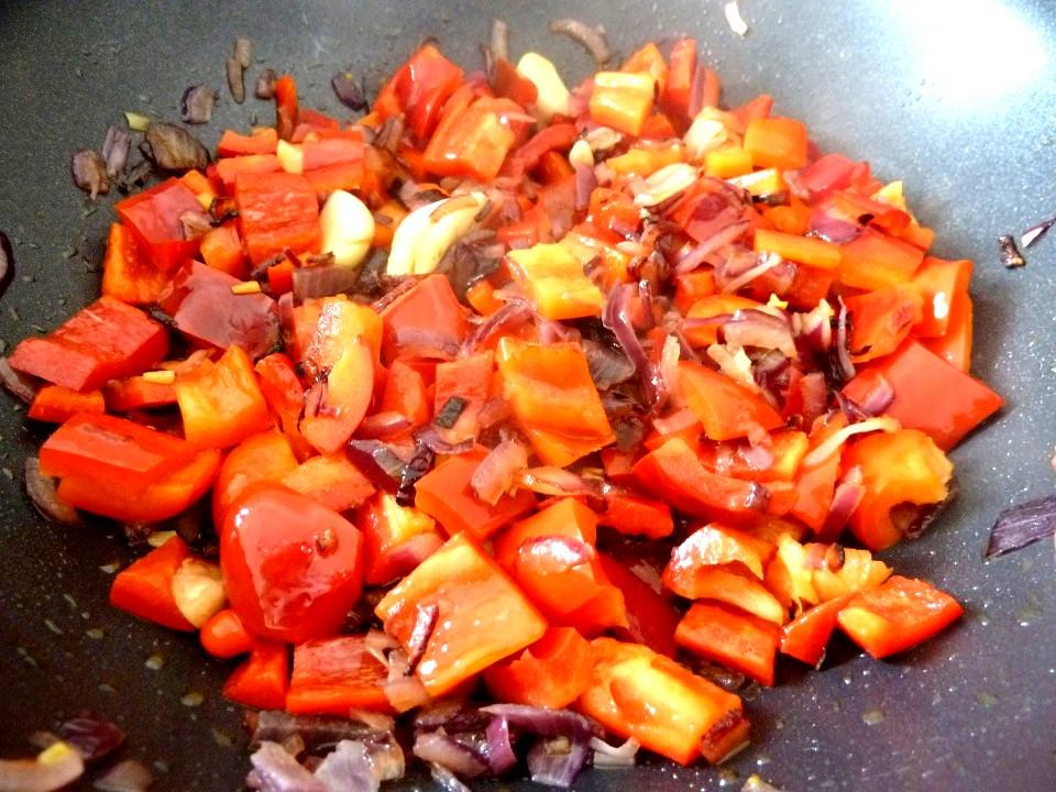 poivrons rouges en cuisson