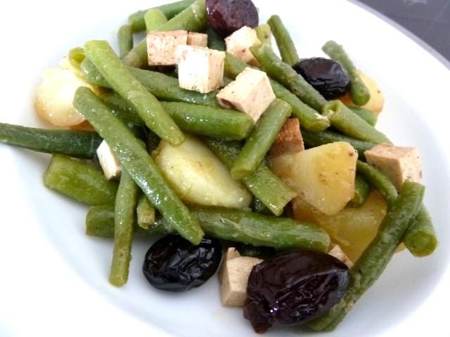 assiette haricots verts tofu