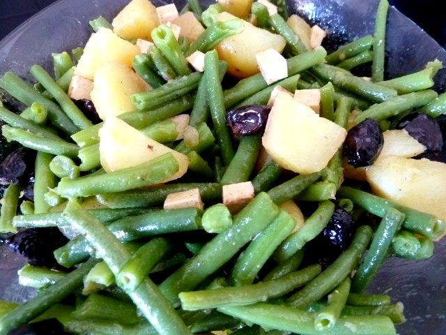 Salade haricots verts tofu assaisonnée