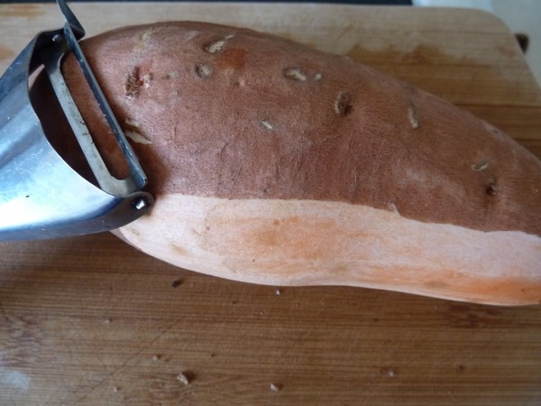wok aubergine patate douce epluchee