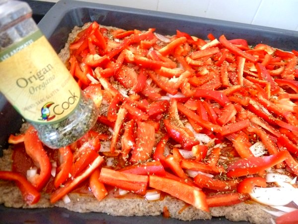pizza poivron rouge oignon origan
