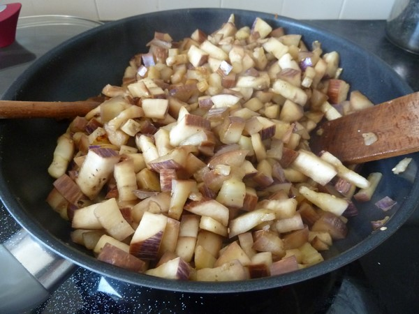 wok aubergine patate douce remuer cuisson aubergines