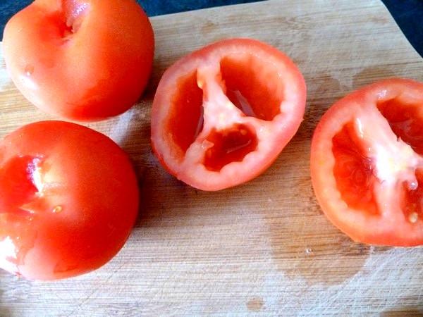 tarte oignons tomates garniture