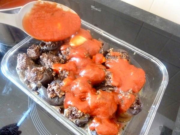 aubergines aux olives et graines cajou sauce tomate