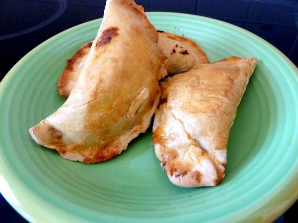 empanadas au poivron servir