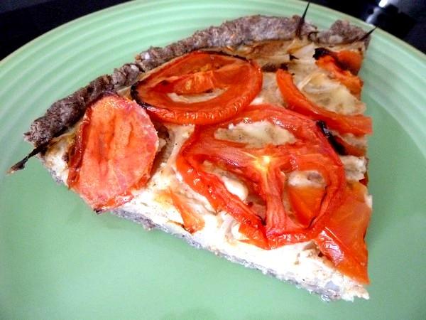 tarte oignons tomates dressage