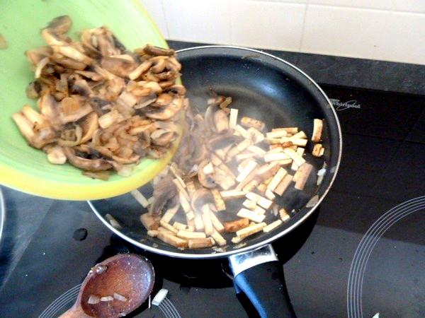 tagliatelles sans gluten sauce carbonara vegetarienne tofu et legumes