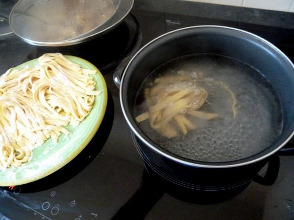 tagliatelles sans gluten sauce carbonara vegetarienne cuire pates