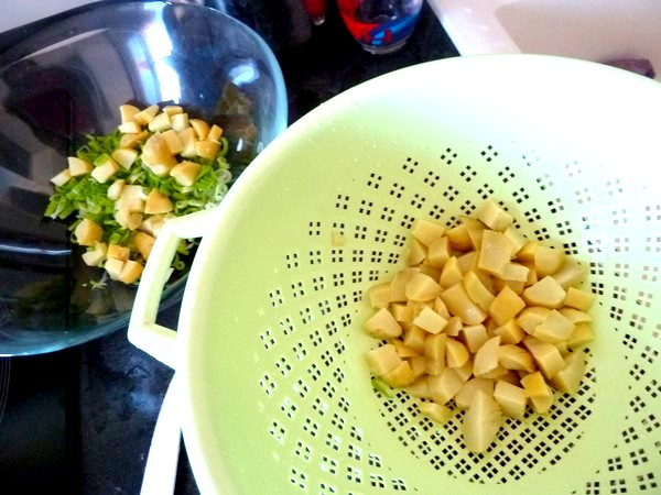 salade aux cebettes et graines germees sauce cajou badiane pommes de terre