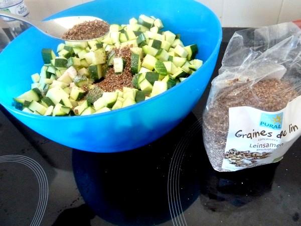 Courgettes aux graines de lin mixees et pois chiches
