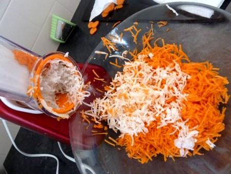 crudités de radis noir carottes pomme raper