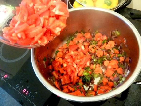 poivrons farcis aux legumes et tofu garniture