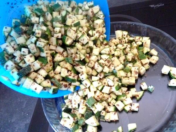 Courgettes aux graines de lin et pois chiches melanger