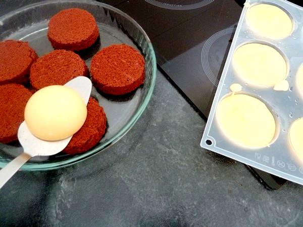 creme-citron-sur-moelleux-chocolat-demoulage