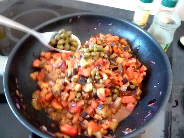 aubergines a la tomate capres