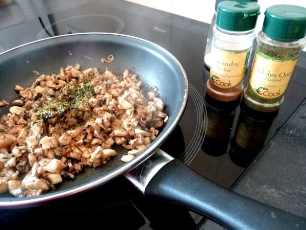 butternut-rotie-aux-champignons-et-chataignes-poivre-coriandre