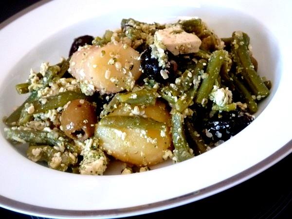 salade-proteinee-haricots-verts-tofu-chanvre-servir