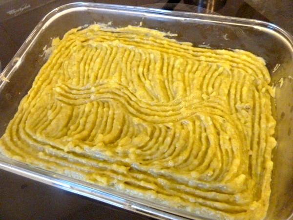 puree-pommes-de-terre-et-legumes-verts-decorer