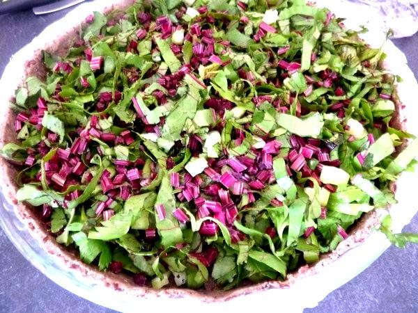 tarte aux graines garniture fanes et celeri bien répartir