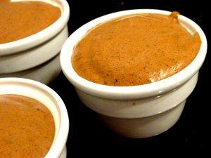 mousse-au-chocolat-cru-sans-oeufs-servir-frais