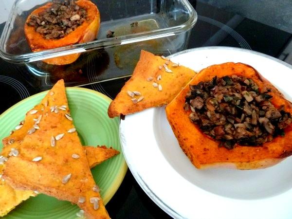 butternut-rotie-aux-champignons-et-chataignes-accompagnes-crackers