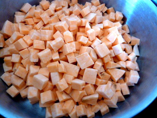 patate-douce-au-choux-kale-petits-cubes