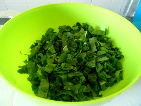 crepe-socca-farcie-aux-blettes-vert-feuilles