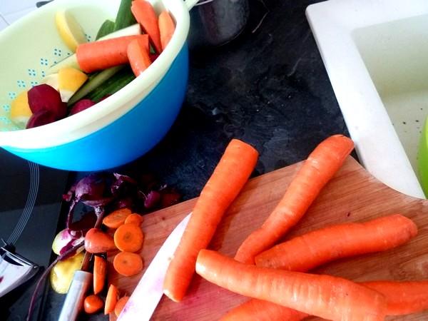jus-detox-carottes-betteraves-concombre-citron-avec-peau