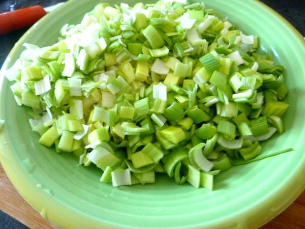 poelee-courgettes-carottes-poireaux-sur-puree-de-legumes
