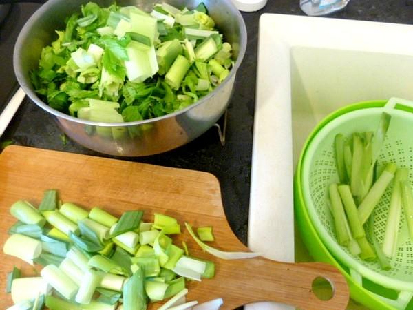 puree-pommes-de-terre-et-legumes-verts-lavage-triage