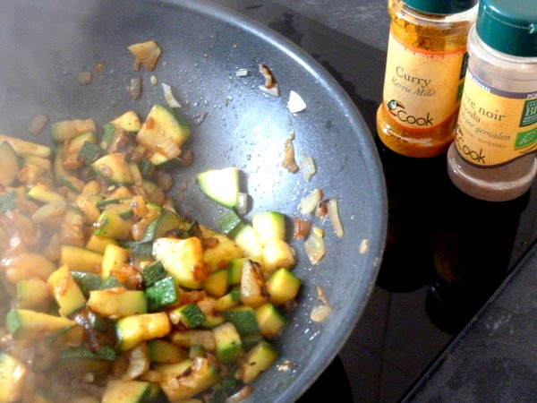 mini-citrouilles-aux-courgettes-epices-curry-poivre