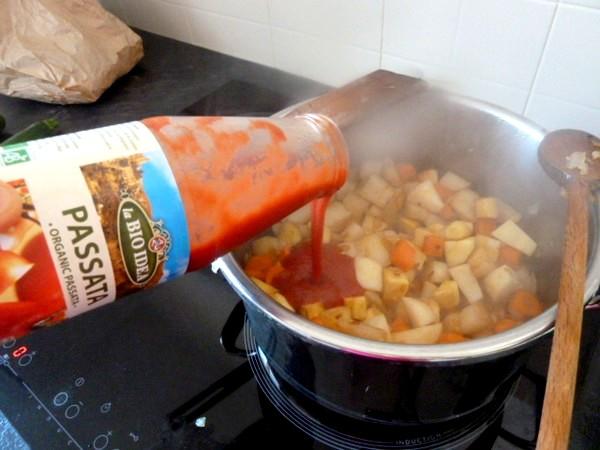couscous-vegetarien-ou-vegan-puree-tomates