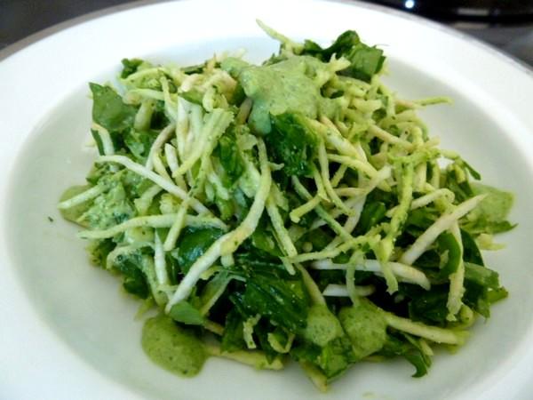 salade-celeri-rave-epinards-sauce