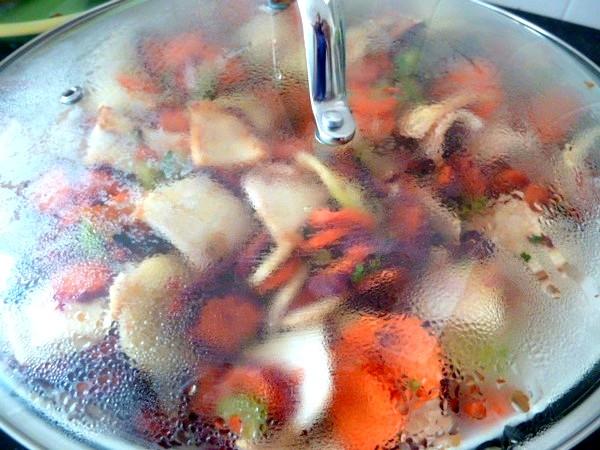 carottes-tricolores-aux-deux-celeris-cuisson-etouffee