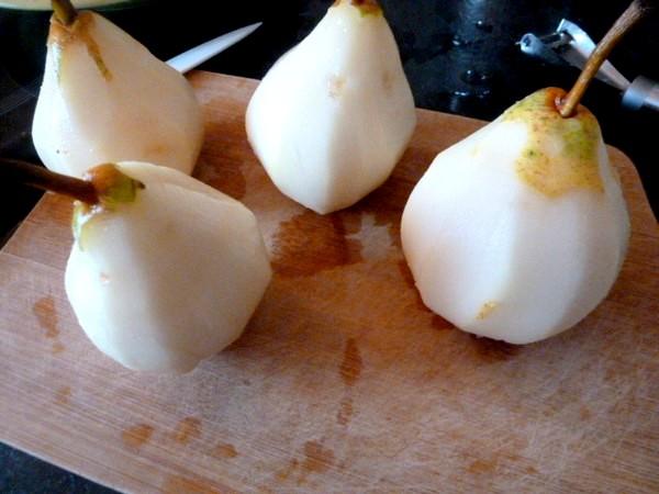 clafoutis-poires-au-chocolat-eplucher