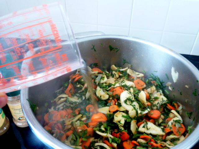 carottes-fanes-et-panais-aux-olives-eau