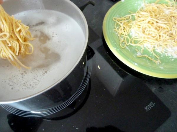 spaghettis-au-fenouil-cuisson-pates-aux-oeufs-maison