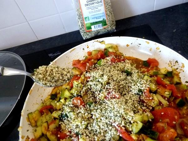 courgettes-tomates-au-chanvre-saupoudrer