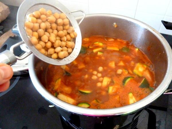 couscous-vegetarien-ou-vegan-ajouter-pois-chiches