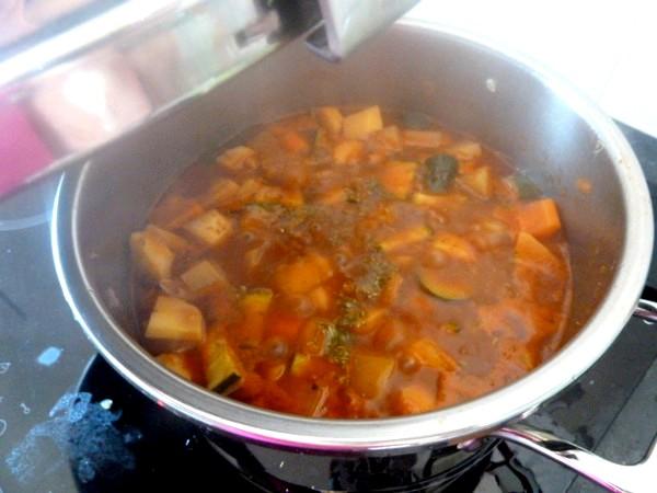 couscous-vegetarien-ou-vegan-cuire-couvert