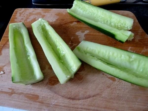 crudites-concombre-kiwi-au-chanvre-creuser