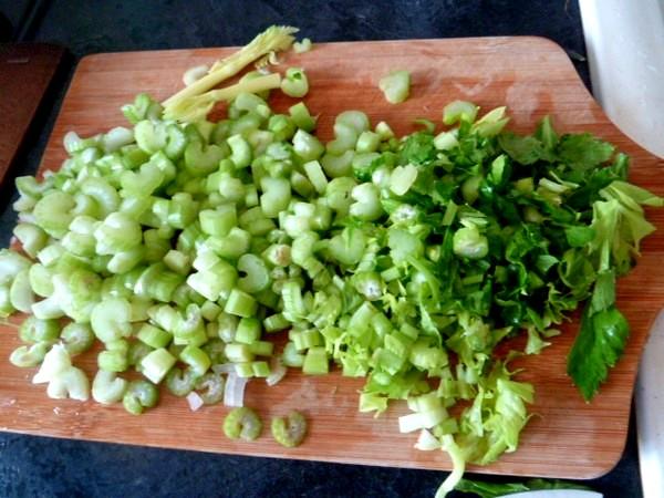 carottes-tricolores-aux-deux-celeris-tranches-couteau