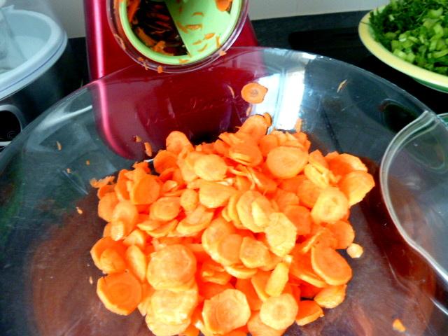 carottes-fanes-et-panais-aux-olives-rondelles