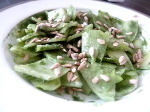 chayotte-crue-sauce-spiruline-melanger-sauce-graines