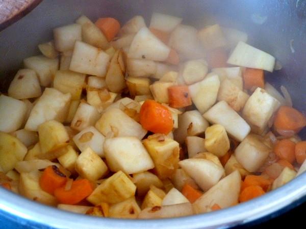 couscous-vegetarien-ou-vegan-cuisson-feu-moyen