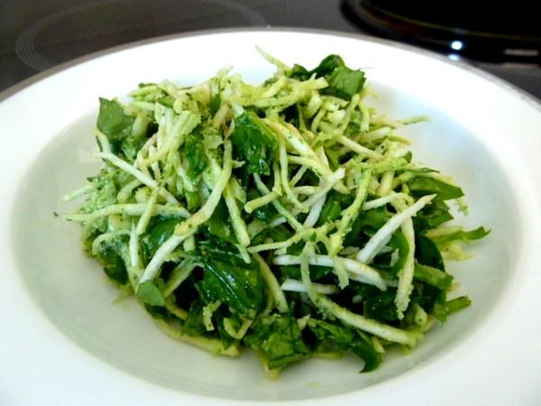 salade-celeri-rave-epinards-dresser