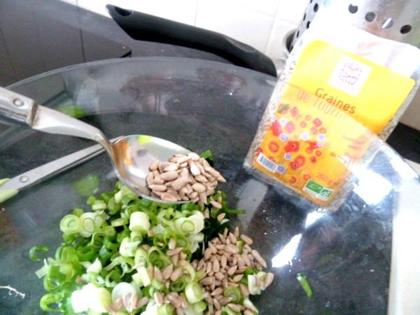 salade-verdure-piquante-rassembler-graines-tournesol