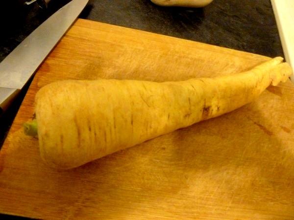 veloute-de-cresson-au-panais-et-pomme-de-terre-laver-eplucher-tailler