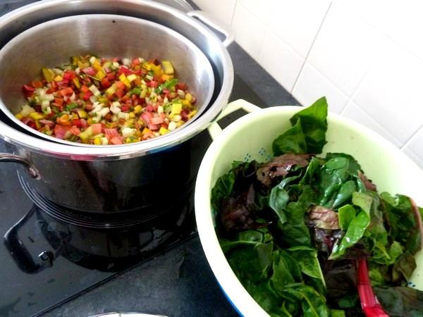 blettes-mi-cuites-croutons-et-fromage-vegan-cuire-tiges-10-minutes
