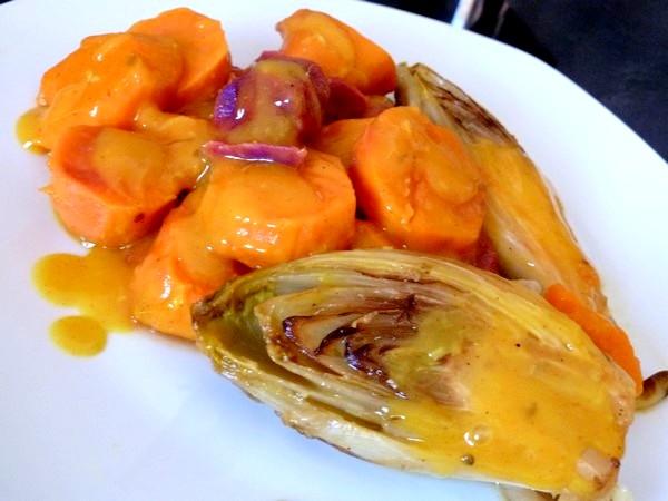 endives-sauce-agrume-et-patates-douces-servir-chaud